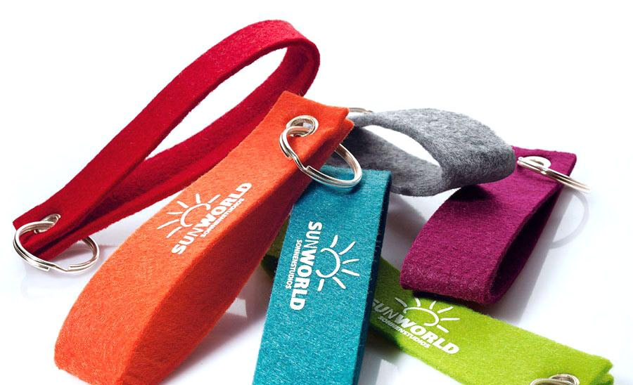 Artigifts promotion cheap handmade felt keychain