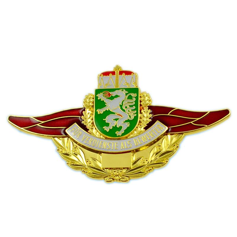 China Badge Maker Direct Sale Custom Metal Pilot Wings Pin Badge