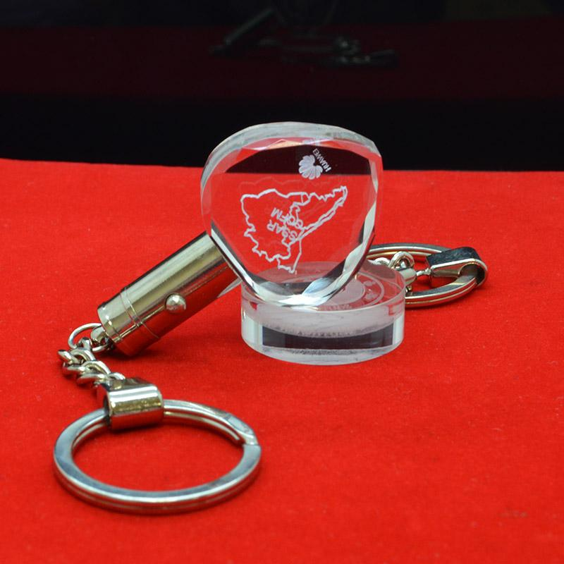 Cheap Custom Glass Crystal Keyring Wholesale Lucite Keychains